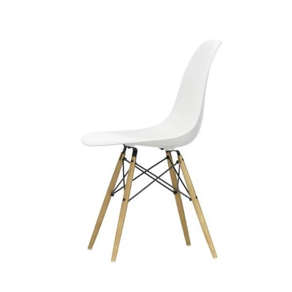 Bilde av Eames Plastic Side Chair DSW