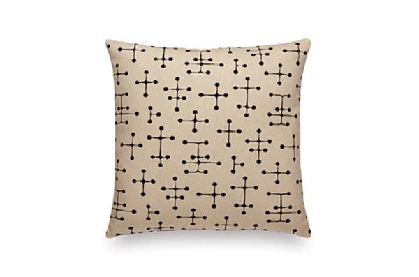 Bilde av Classic Maharam Pillow -