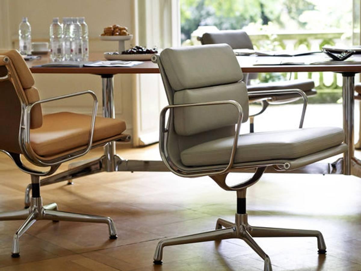 Soft Pad Chair EA 217 L20 Sort / Polert Vitra