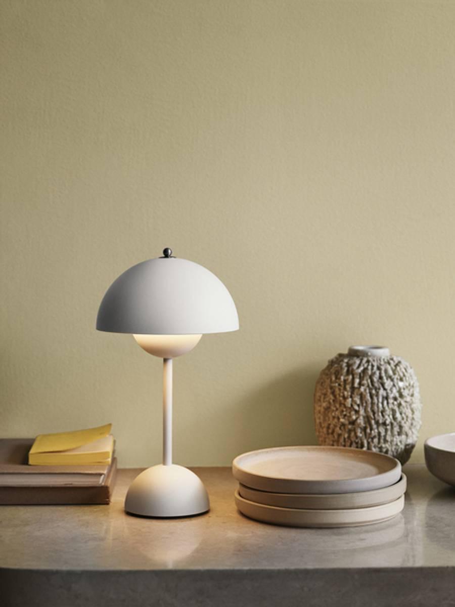 Flowerpot VP9 gul oppladbar bordlampe &tradition