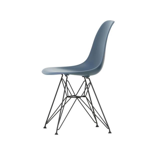 Bilde av Eames Plastic Chair DSR 83