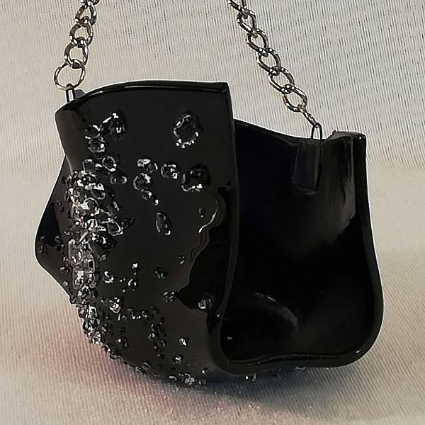 Bilde av Hådlaget t- lysestakehengende, mørklilla med