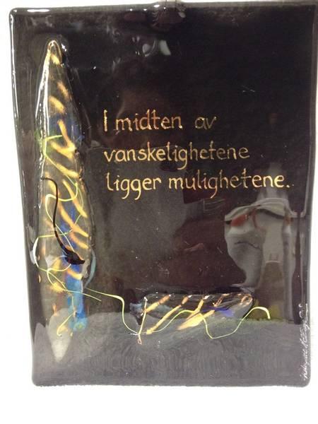 Bilde av Hustavle i glass, I midten av..