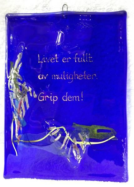 Bilde av Hustavle i glass, LIvet er fult..