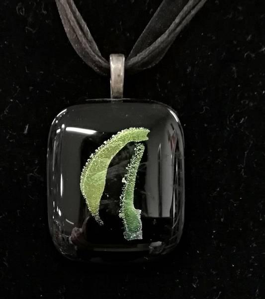 Bilde av Smykke 47, sort/limegrønt