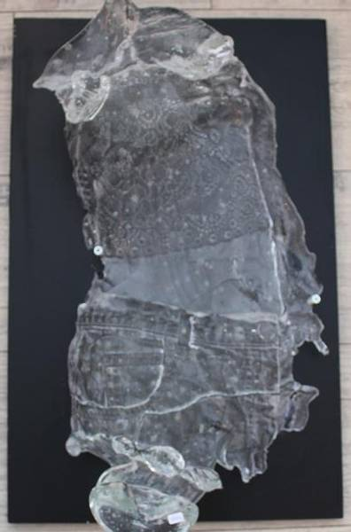 Bilde av Unik håndlaget skulptur i glass, halv torso