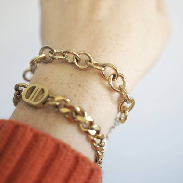 Armbånd med bred gullenke