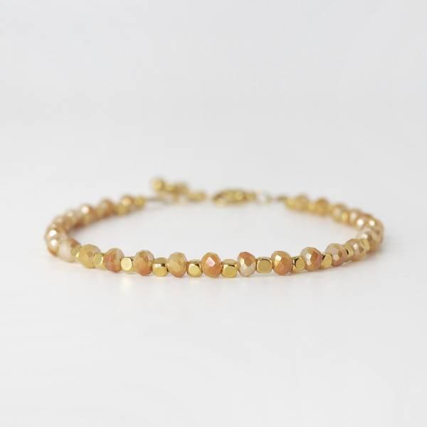 Armbånd med glassperler gull/champagne