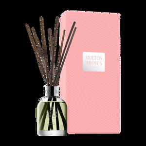 Bilde av Molton Brown Delicious Rhubarb & Rose Aroma Reeds
