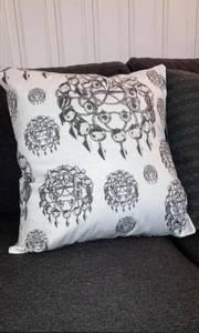 Image of White risku cushioncover