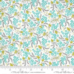 Bilde av Moda fabrics Flowers For Freya Cloud Pond
