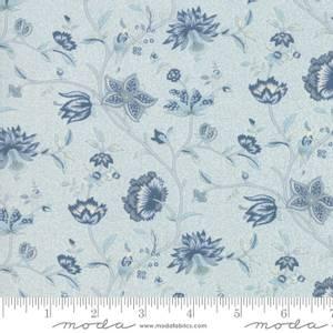 Bilde av Moda Fabrics Le Beau Papillon Tonal Blue Dus