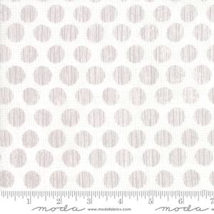 Bilde av Moda Fabrics Naughty Or Nice Snow hvit