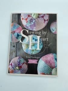 Bilde av Tilda sewing by heart bok