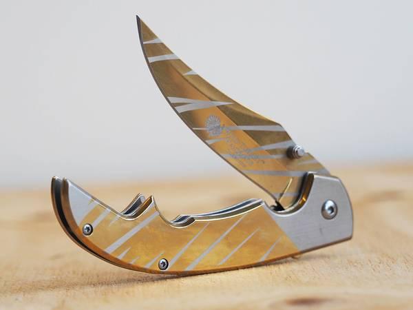 Bilde av Wild Turkey - Håndlaget Stripe Foldekniv - Sølv/Gull
