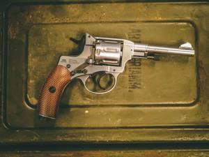Bilde av Gletcher - 1895 Nagant Revolver Full Metall - 4.5mm BB - Silver
