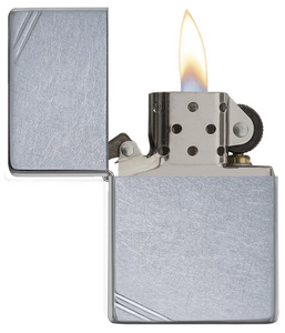 Bilde av Zippo - Street Chrome™ Vintage with Slashes