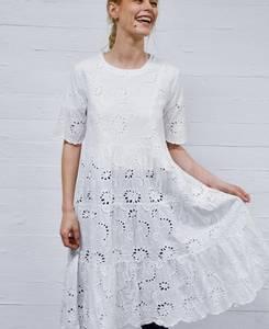 Bilde av Hvit MAPP Broderi kjole