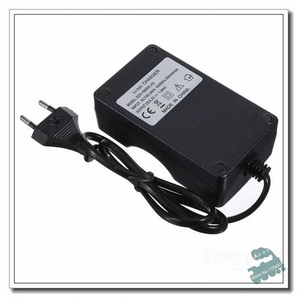 Batterilader for 2 stk 18650 batterier