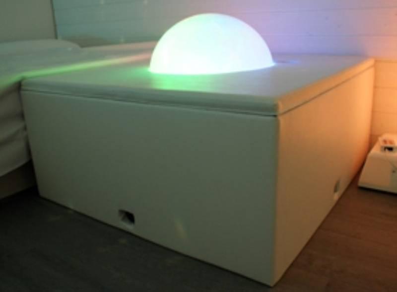 Lys- og lydglobe i podium