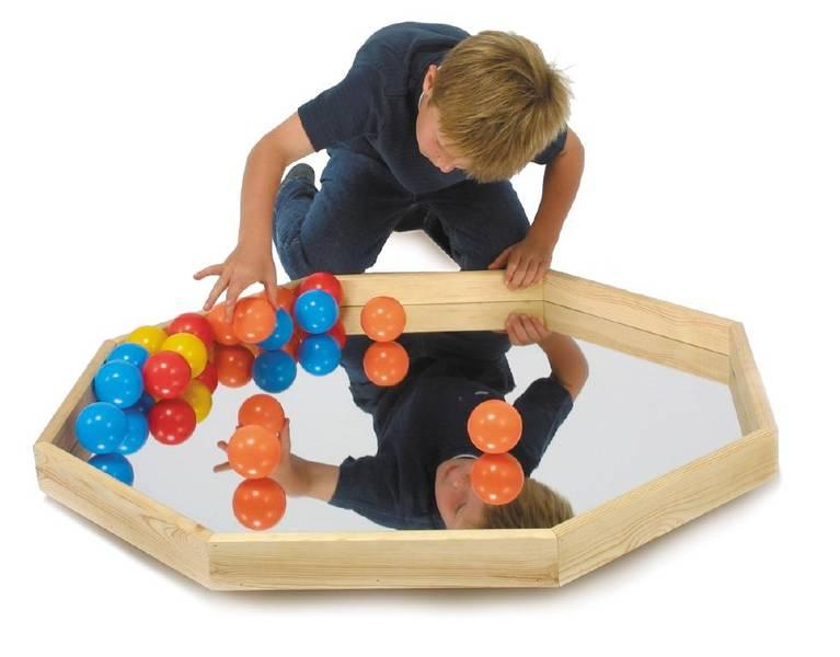 Balanseringsspeil med baller