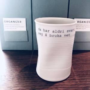 Bilde av kopp med tekst - å bruka vet