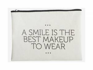 Bilde av make-up bag smile