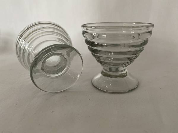 Store likørglass