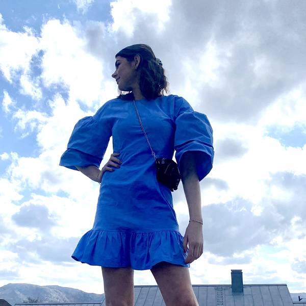 Bilde av NA-KD - Kjole Flounce Sleeve Dress Blå
