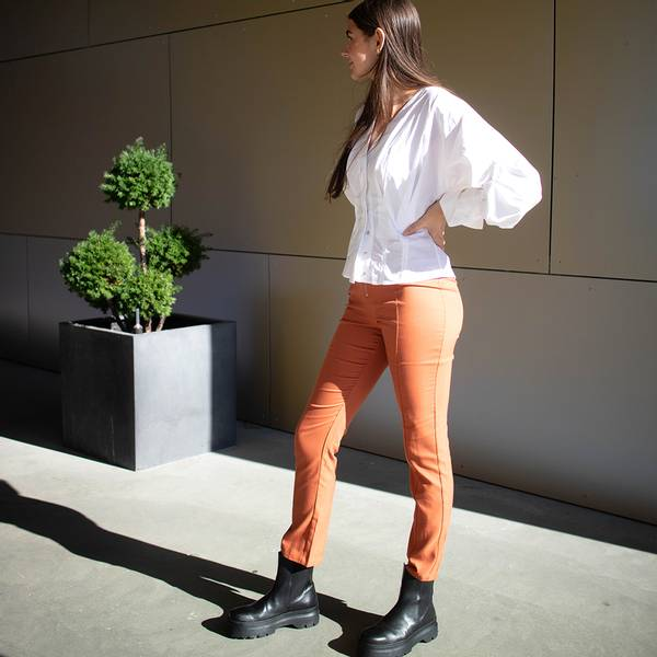Bilde av NA-KD - Gine Margrethe Back Slit Trousers