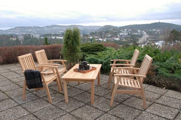Bilde av Dana sett 4 stoler+M salongbord - teak