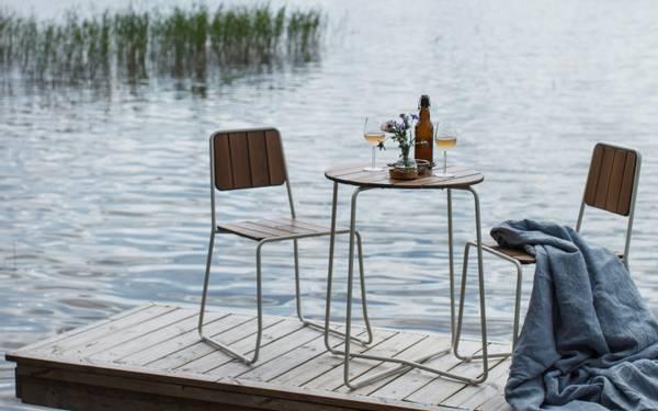 Bilde av Oas sett 2 stoler+bord Ø60 cm - cinnamonbrun