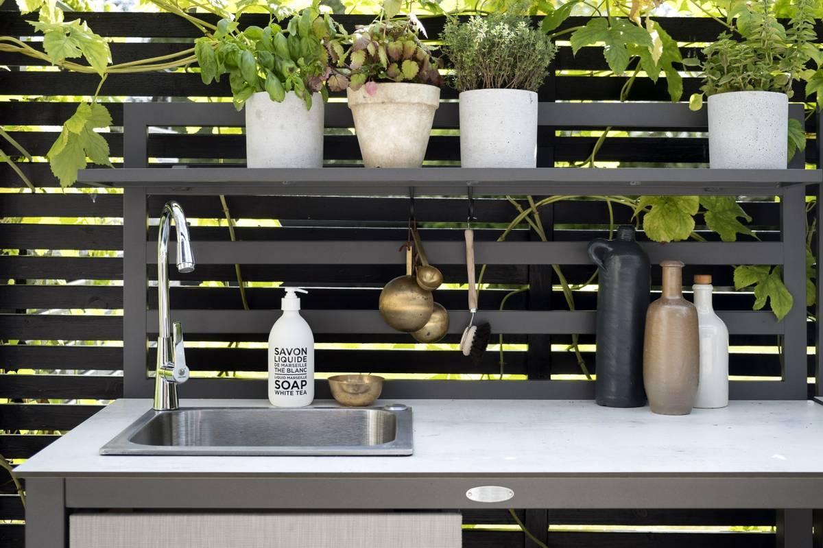 Åminne utekjøkken m/vask og hylle - grå