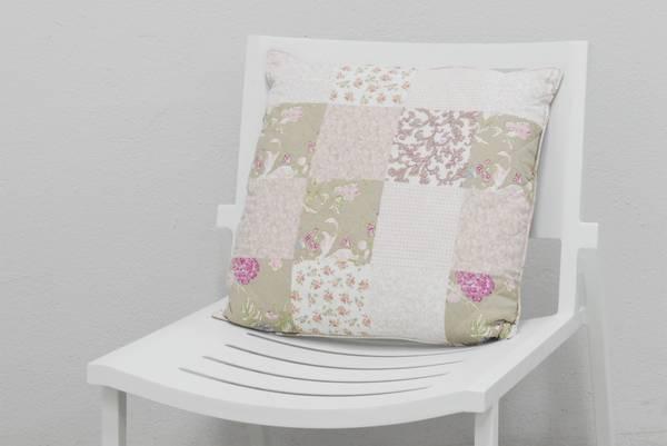 Bilde av Emilie vattert pyntepute 50x50 cm - design Flora