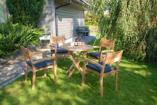 Bilde av Figaro sett 4 stabelbare stoler+bord Ø80 cm - teak