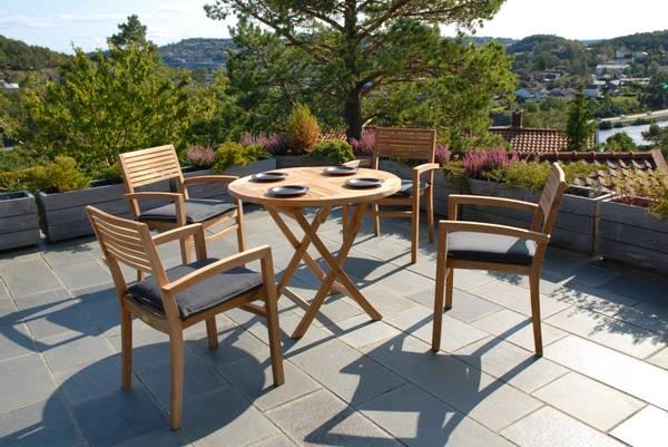 Bilde av Figaro sett 4 stabelbare stoler+bord Ø90 cm - teak