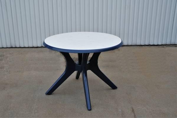 Bilde av Kettler plastbord Ø100 cm - blå/marmor