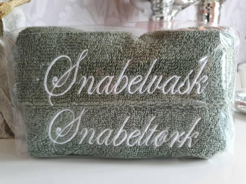 Snabelvask og Snabeltørk olivengrønn med hvit skrift