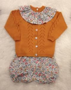 Barnigjen strikkeoppskrift cardigan Ella