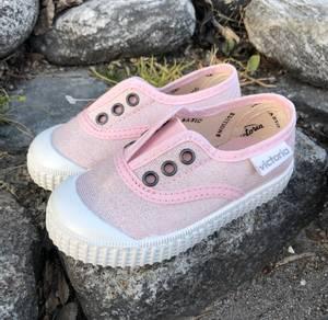Bilde av Victoria Shoes Slip On Glitter, Modell 366118,