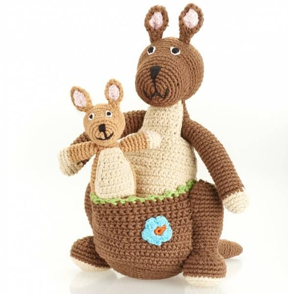 Bilde av Heklet kenguru & baby, håndlaget og rettferdig produsert