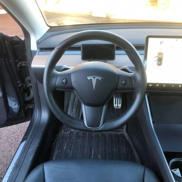 Mobilholder dashbord Tesla Model 3 & Y