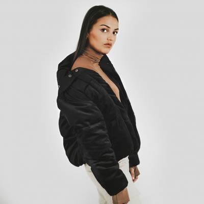 Bilde av Velvet puff jacket - black