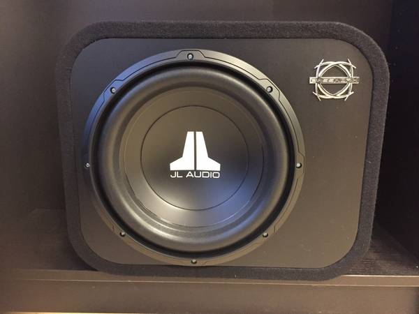 Bilde av JL Audio 12W0v3-4 lukket kasse 300 watt 4 ohm