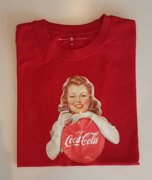Ulike Retro Coca Cola T-skjorter