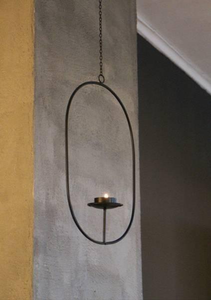 Lysestake oval henge sort metall