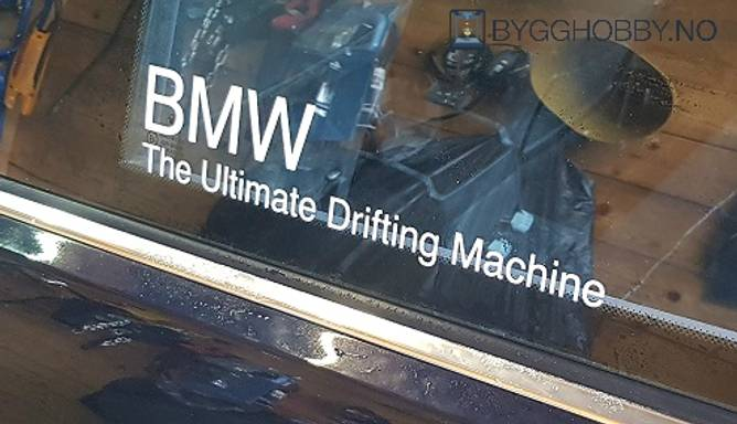 Bilde av BMW The Ultimate Drifting Machine Klistremerke