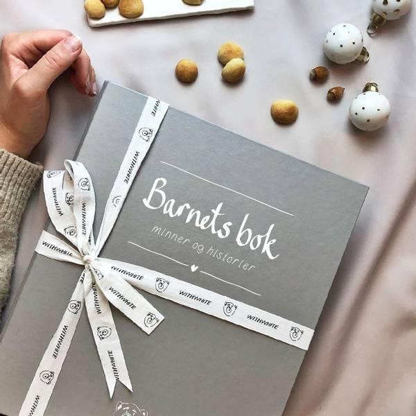 Babybok (Barnets bok) - Withwhite