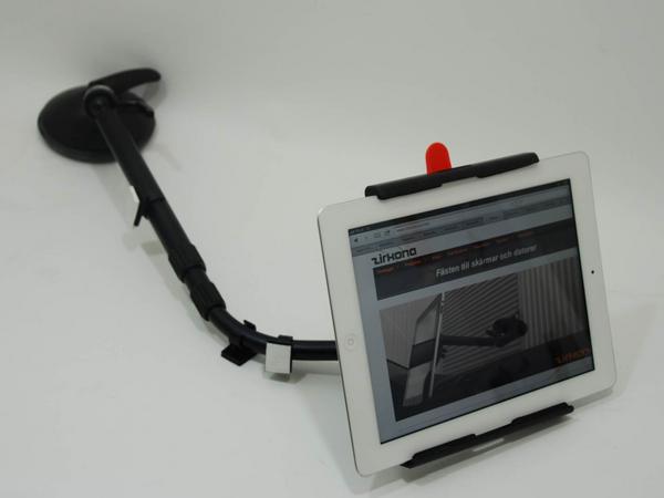 Universal PAD og nettbrett-holder for dashbord
