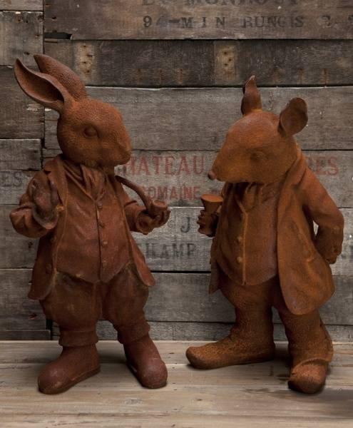 Mr Rabbitt, støpejernsfigurer i rust.